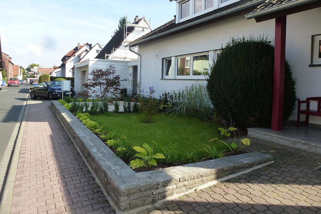 13-014-Vorgarten-Haus-der-Beratung--Bruchköbel-4